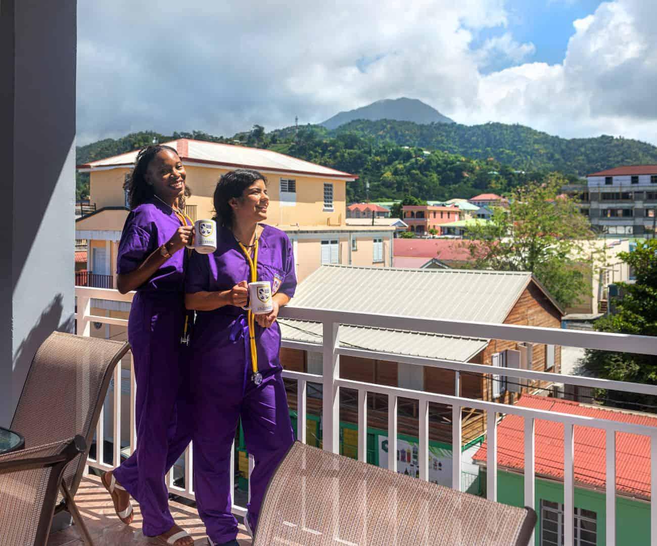 2_veterinary_students_on_balcony_1